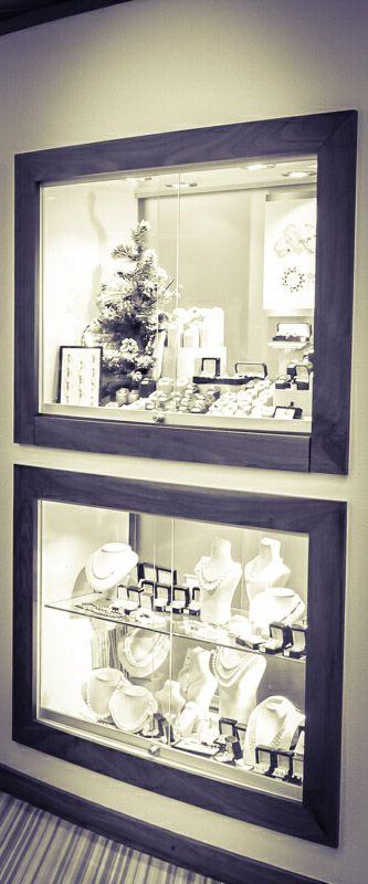 Recessed shop shelving display units